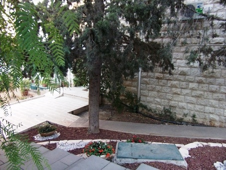 East Talpiot 3 BR for sale