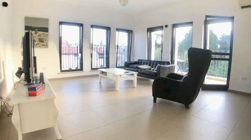 Musrara - Luxury 2 BR Apartment