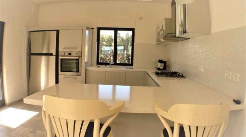 luxurious 3 BR Penthouse in Musrara