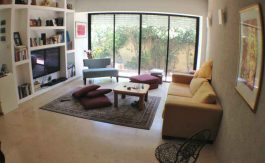 Baka - 3 BR renovated, furnished with garden