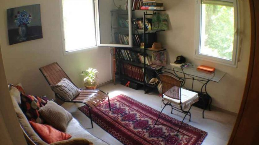 East Talpiot - Charming 4 BR renovated apartment