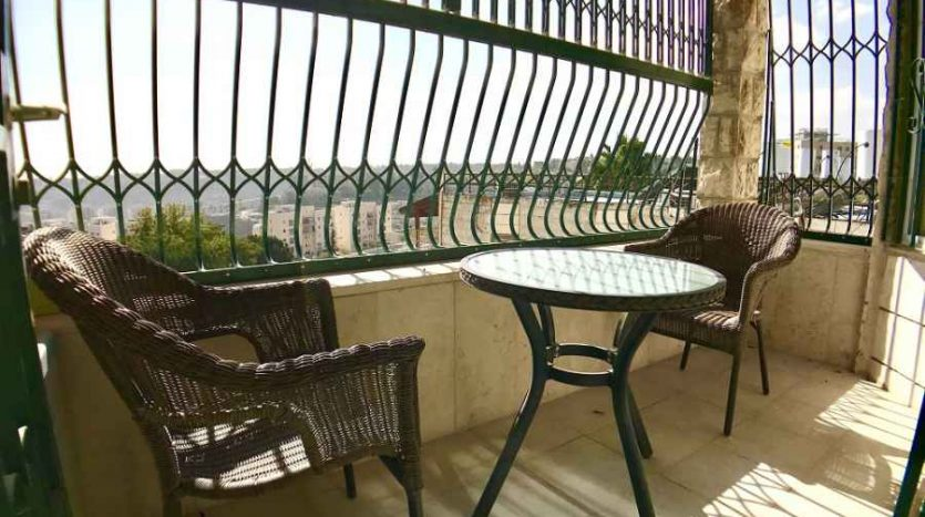 East Talpiot - lovely 2 BR with view