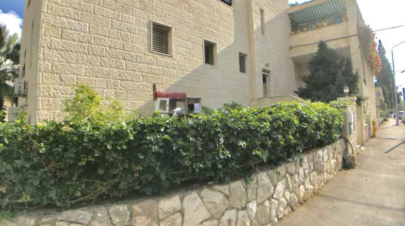 Old Katamon - two apartments in one! For sale