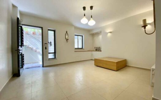 Arnona - 2 BR very spacious apartment