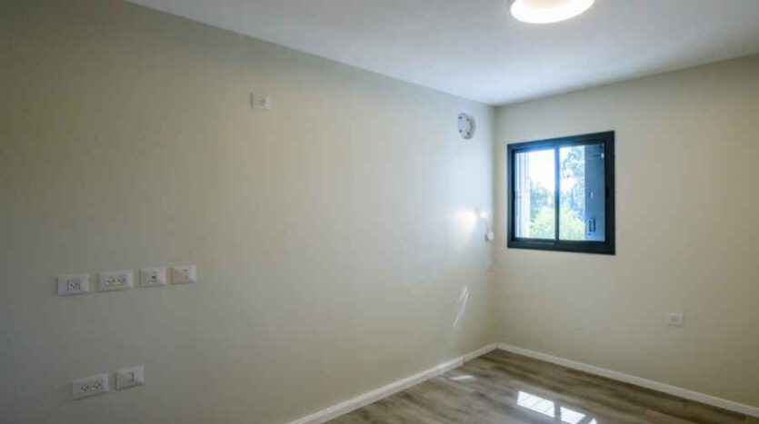 German Colony - New 4 Br Apartment
