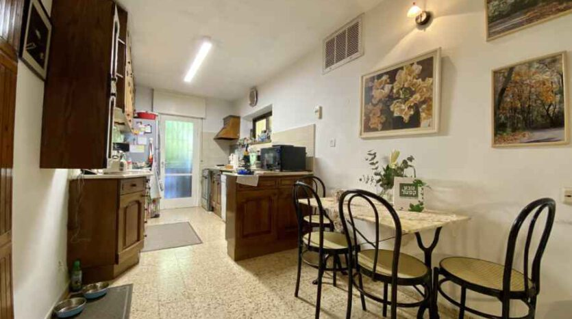East Talpiot - Gorgeous large 3 BR with garden
